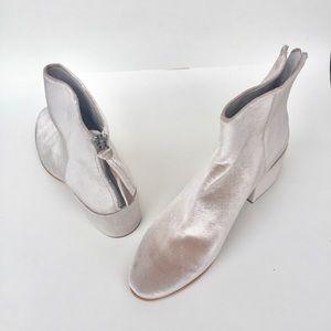 Dolce Vita Mirra Ankle Grey Velvet Boot 9.5
